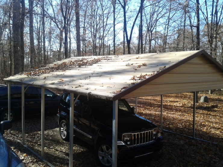 horizontal roof with lots of leaves